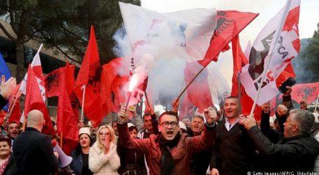 Αλβανία: Αναθερμάνθηκε η πολιτική κρίση με αίτημα την παραίτηση Ράμα – Μεγάλες διαδηλώσεις, ταραχές και τραυματίες