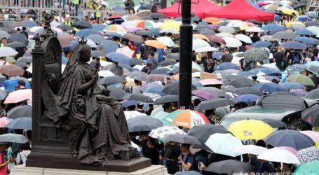 Χιούμορ και ομπρέλες κατά της κυβέρνησης στο Χονγκ Κονγκ