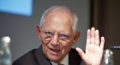 Γερμανία: Παρέμβαση Σόιμπλε υπέρ Μέρκελ στο προσφυγικό – Εγκαταλείπει την ακροδεξιά και τον Ζεεχόφερ