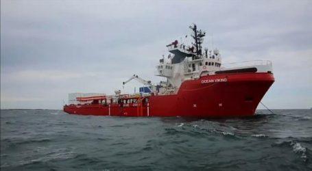 Γιατροί Χωρίς Σύνορα: Τελειώνουν τα τρόφιμα στο πλοίο Ocean Viking που μεταφέρει 356 μετανάστες