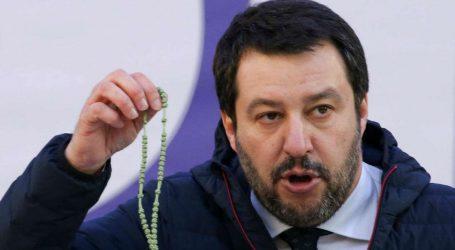 DW: Στην Ιταλία του Σαλβίνι το μένος κατά των ξένων γίνεται τώρα της μόδας