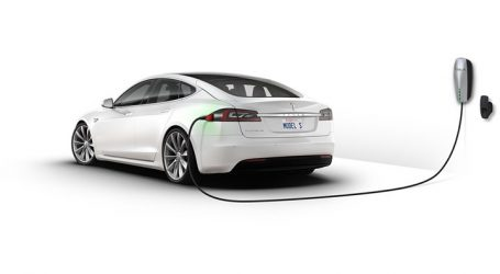 EE: Ο πρώτος λόγος στα αυτοκίνητα μηδενικών και χαμηλών εκπομπών CO2