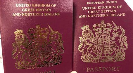 Η Βρετανία ξεκίνησε να εκδίδει διαβατήρια χωρίς την ένδειξη «Ευρωπαϊκή Ένωση»