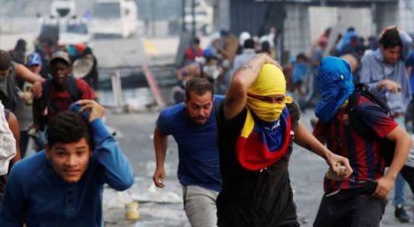 Αναμέτρηση οπαδών της αντιπολίτευσης με τις δυνάμεις ασφαλείας στη Βενεζουέλα
