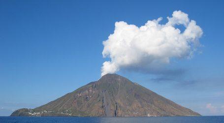 Ένας νεκρός και ένας τραυματίας από την έκρηξη του ηφαιστείου Στρόμπολι στην Ιταλία