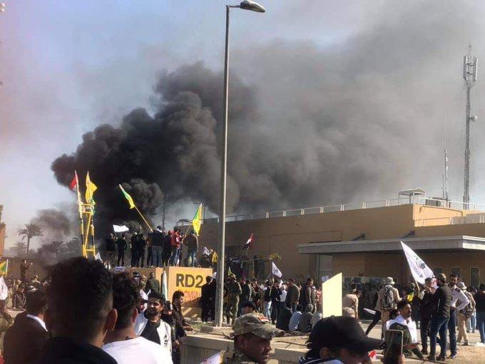 Η Τεχεράνη αρνείται ότι βρίσκεται πίσω από τις βίαιες διαδηλώσεις στην αμερικανική πρεσβεία στη Βαγδάτη