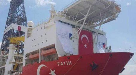Ντονμέζ: Ξεκινάμε έρευνες για πετρέλαιο και φυσικό αέριο βάσει της συμφωνίας με Λιβύη