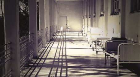 Η δημόσια γερμανική ραδιοφωνία συνομίλησε με …διαφωνούντα του ΣΥΡΙΖΑ για τις επιπτώσεις των μνημονίων στο ΕΣΥ