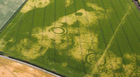 (VID + PICS) Βρετανία: Η ξηρασία είχε ως αποτέλεσμα να αποκαλυφθούν χαμένα αρχαιολογικά μνημεία