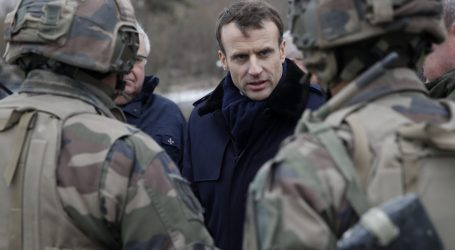 Μακρόν: «Η ΕΕ χρειάζεται έναν πραγματικό ευρωπαϊκό στρατό»