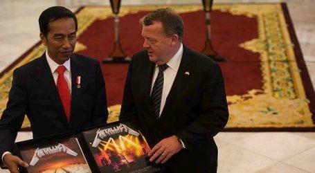 Ο πρόεδρος της Ινδονησίας πλήρωσε 800 ευρώ για σπάνιο άλμπουμ των Metallica