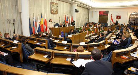 Πολωνία εναντίον όλων | Ποινικοποιεί τη λεκτική σχετικά με το ολοκαύτωμα – Έντονες αντιδράσεις