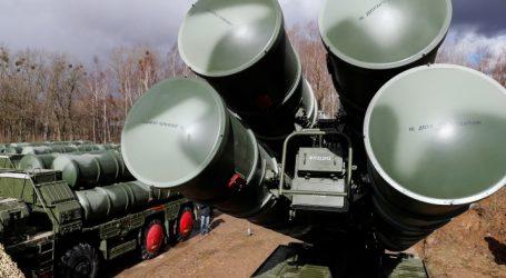 Η Ρωσία σχεδιάζει τη δημιουργία «θόλου» αεροπορικής άμυνας στην Αρκτική με πυραύλους S-400