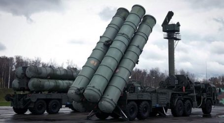 Η Ινδία υπογράφει συμφωνία με τη Ρωσία για την αγορά των S-400