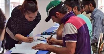 Αποφοίτησαν οι πρώτοι 60 από το Κέντρο Ένταξης Μεταναστών του δήμου Αθηναίων