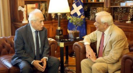 Παυλόπουλος: Η ευρωστία της δημοκρατίας εξαρτάται από τη συμμετοχή των πολιτών