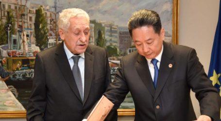 Συνάντηση Κουβέλη με τον Υπουργό Μεταφορών της Κίνας στον Πειραιά