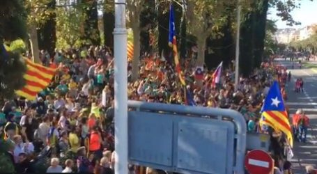 (VID) Νέες μαζικές διαδηλώσεις υπέρμαχων της ανεξαρτησίας της Καταλονίας στους δρόμους της Βαρκελώνης