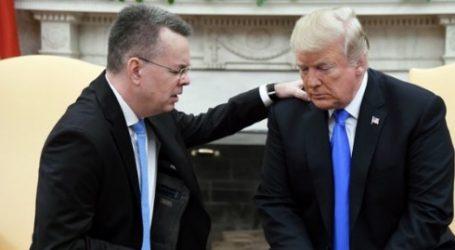 Ο Ντόναλντ Τραμπ υποδέχθηκε στον Λευκό Οίκο τον πάστορα Άντριου Μπράνσον