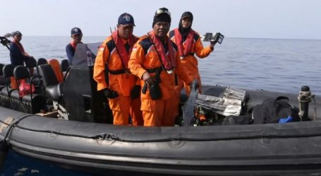 Ινδονησία: Αναζήτηση για τα μαύρα κουτιά του μοιραίου αεροσκάφους