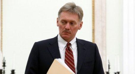 Πέσκοφ: Η Μόσχα δεν θα αλλάξει στάση προκειμένου να βελτιώσει τις σχέσεις της με το Λονδίνο