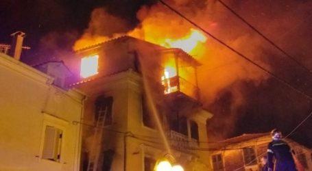 Μεγάλη φωτιά σε τριώροφη μονοκατοικία στην Κέρκυρα