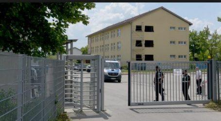 Ένας χρόνος λειτουργίας των μεταναστευτικών «κέντρων τράνζιτ» στη Γερμανία