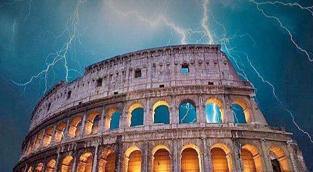 Προειδοποίηση Fitch: Σημαντικοί κίνδυνοι στην Ιταλία – Συνεχίζεται η αναταραχή