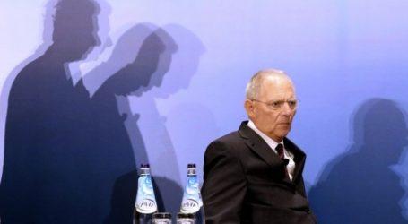 Γερμανία: Η ακροδεξιά έτοιμη για αξιωματική αντιπολίτευση και καίρια πόστα – Συνεχίζεται η σιωπή Σόιμπλε