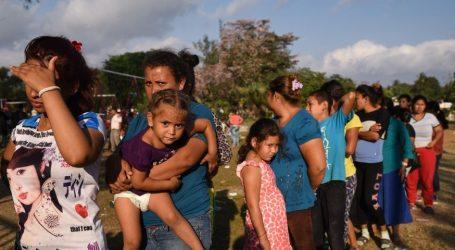"""ΗΠΑ: Ο Τραμπ απειλεί με πόλεμο και σφαίρες τους """"μετανάστες των καραβανιών"""""""