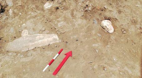 Επιτύμβιες στήλες της αρχαιότητας αποκαλύπτουν στοιχεία για την κλασική γλυπτική της Τήνου