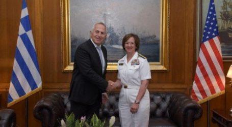 Συνάντηση Αποστολάκη, με τη διοικητή του 6ου αμερικανικού στόλου