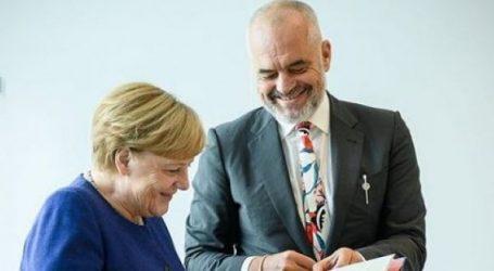 Μέρκελ: «Ναι» στην ένταξη της Αλβανίας στην ΕΕ