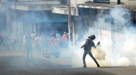 Γιατί καταρρέει η Βενεζουέλα;