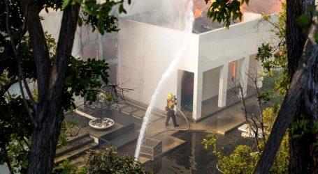 Καλιφόρνια: Στις φλόγες το Λος Άντζελες | Διασημότητες εγκαταλείπουν τις πολυτελείς επαύλεις τους