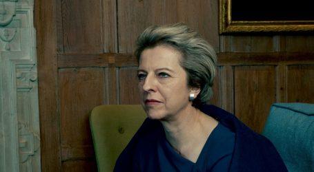 Βρετανία: Δημοσκόπηση-κόλαφος για τη Μέι – Οι Βρετανοί απορρίπτουν το σχέδιό της για το Brexit
