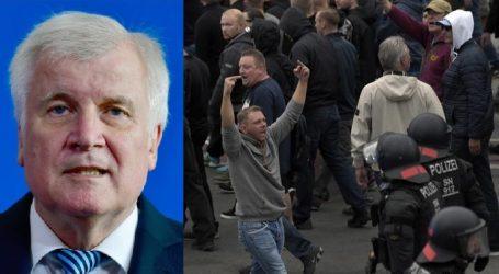 Πολιτική θύελλα στη Γερμανία: Υποψίες ότι ο Ζεεχόφερ χρησιμοποίησε πρόεδρο μυστικής υπηρεσίας για να εκθέσει την καγκελάριο