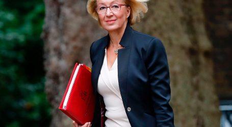 Βρετανία: Παραιτήθηκε η υπουργός για τις σχέσεις της βρετανικής κυβέρνησης με το κοινοβούλιο, Άντρεα Λίντσομ