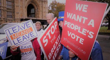 Brexit | Για πρώτη φορά η αντιπολίτευση βάζει επί τάπητος θέμα εκδίωξης των Τόρις από την κυβέρνηση