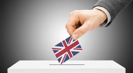Βρετανία: Ουρές σε κάποια εκλογικά κέντρα. Ψήφισαν οι επικεφαλής των κομμάτων