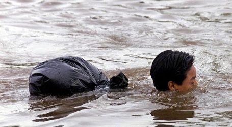 """Έπεσαν στον ποταμό οι """"μετανάστες του καραβανιού"""" για να συνεχίσουν το ταξίδι προς προς τις ΗΠΑ"""