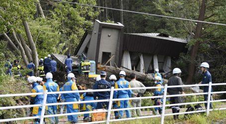 Ιαπωνία: Μάχη με τον χρόνο δίνουν τα σωστικά συνεργεία για την ανεύρεση επιζώντων