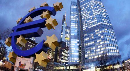 Τα κριτήρια για τα επιχειρηματικά δάνεια και την καταναλωτική πίστωση αναμένεται να χαλαρώσουν οι τράπεζες της ευρωζώνης