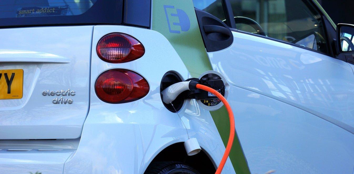 Ελληνικοί σταθμοί φόρτισης ηλεκτρικών αυτοκινήτων για την ελληνική και παγκόσμια αγορά