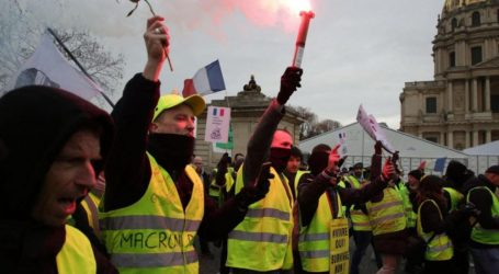 Στους δρόμους τα κίτρινα γιλέκα – Συμπλοκές στο Παρίσι