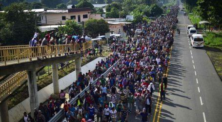 Η Βενεζουέλα υποκινεί το «καραβάνι» των μεταναστών, διατείνεται ο Αμερικανός αντιπρόεδρος