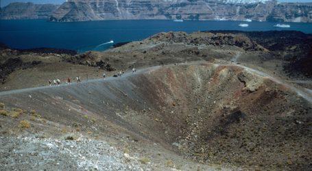 Σαντορίνη: «Φως» στον μαγματικό θάλαμο του ηφαιστείου στην καλδέρα