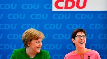 H γενική γραμματέας του CDU και υποψήφια για τη διαδοχή στη γραμμή ΟΗΕ-Μέρκελ για το προσφυγικό