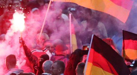 O ρατσισμός άφησε τα ίχνη του στο Κέμνιτς – Τι συμβαίνει με τη γερμανική δικαιοσύνη;