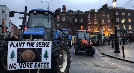 Ιρλανδία: Aποκλεισμένο το κέντρο του Δουβλίνου από τα τρακτέρ αγροτών